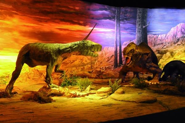 數位科技加持,最古老恐龍展震撼登場