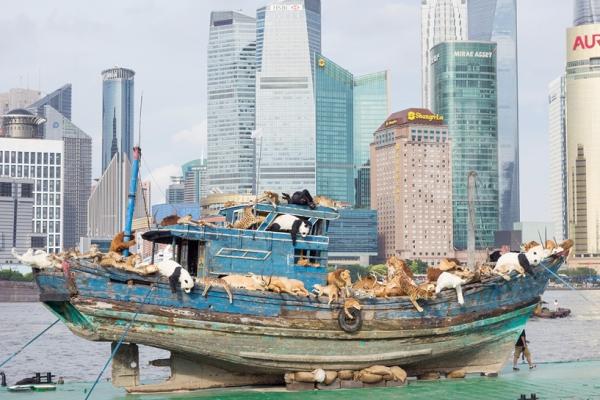 蔡國強在上海掀起的「九級浪」