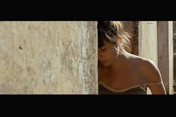 愛情常態|邊地微光──2015坎城「一種注目」評審團獎《烈陽摯愛》