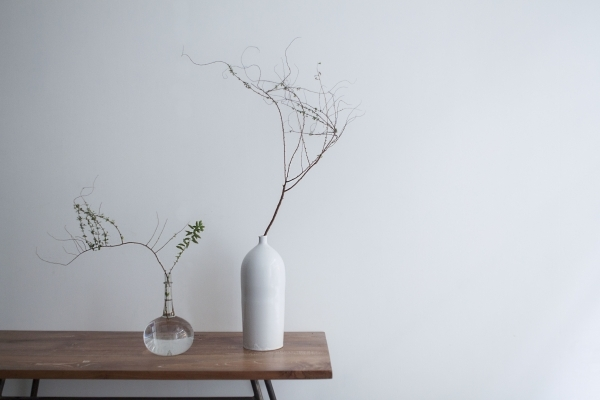 讓2017 年如花般綻放,小器藝廊「花與器皿」提案