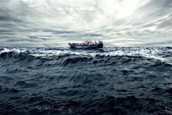 每週影評 《海上焰火》:燒毀人性底線的海洋