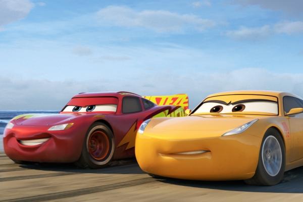 每週影評 《Cars 3:閃電再起》:終於長大的系列