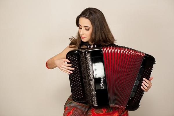 叛離古典路徑,舞出自我的手風琴——Ines Vaz