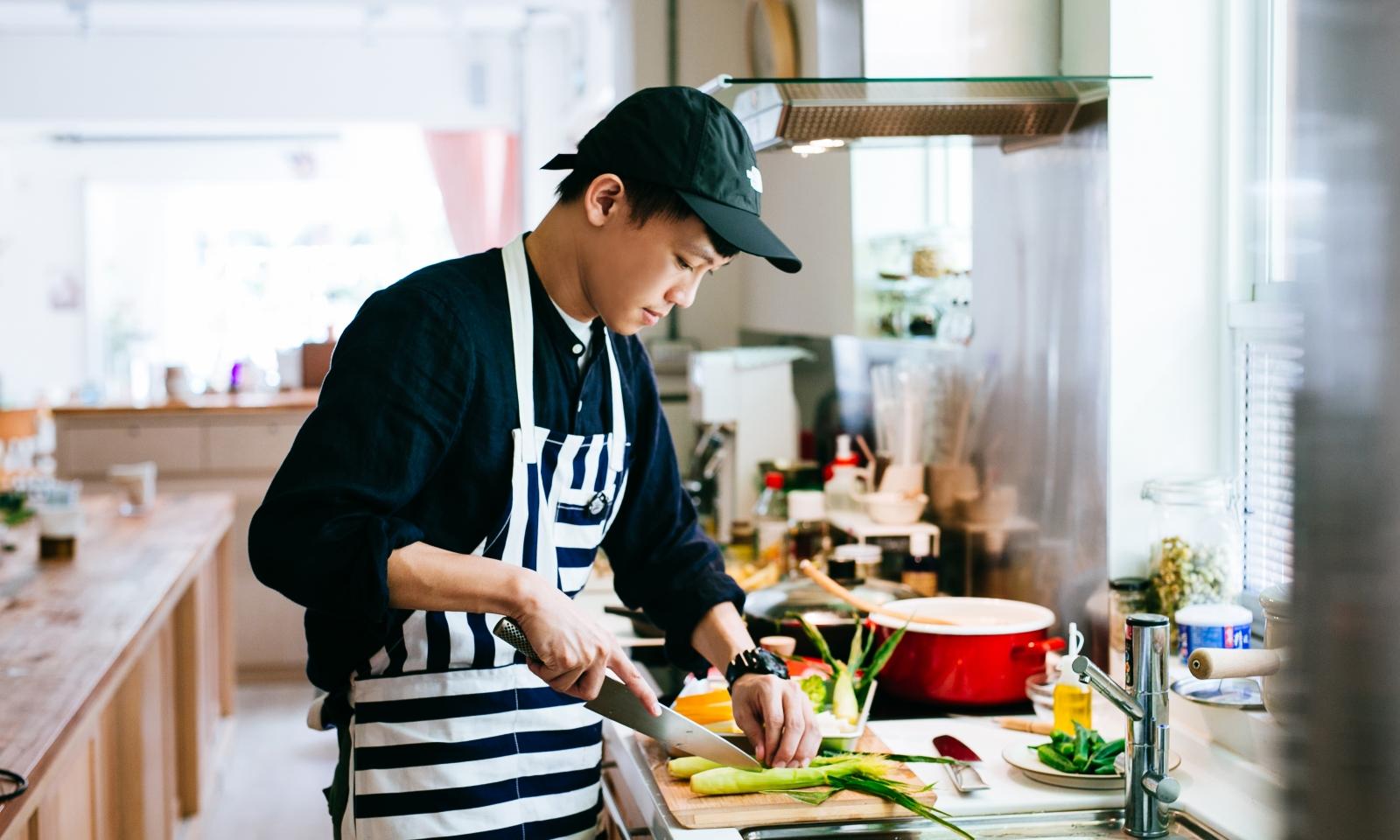 7 a.m. to 9 a.m.  不務正業男子 Ayo:煮一桌慰勞熬夜身心的早餐