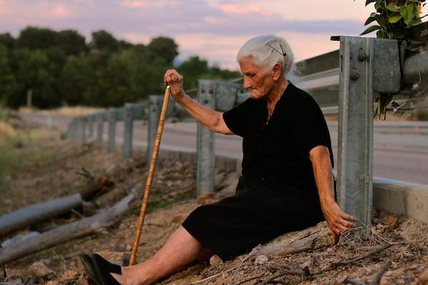父親被挖出來的那天,我已經比當時的他老:《沉默正義》,西班牙被失憶的暴政