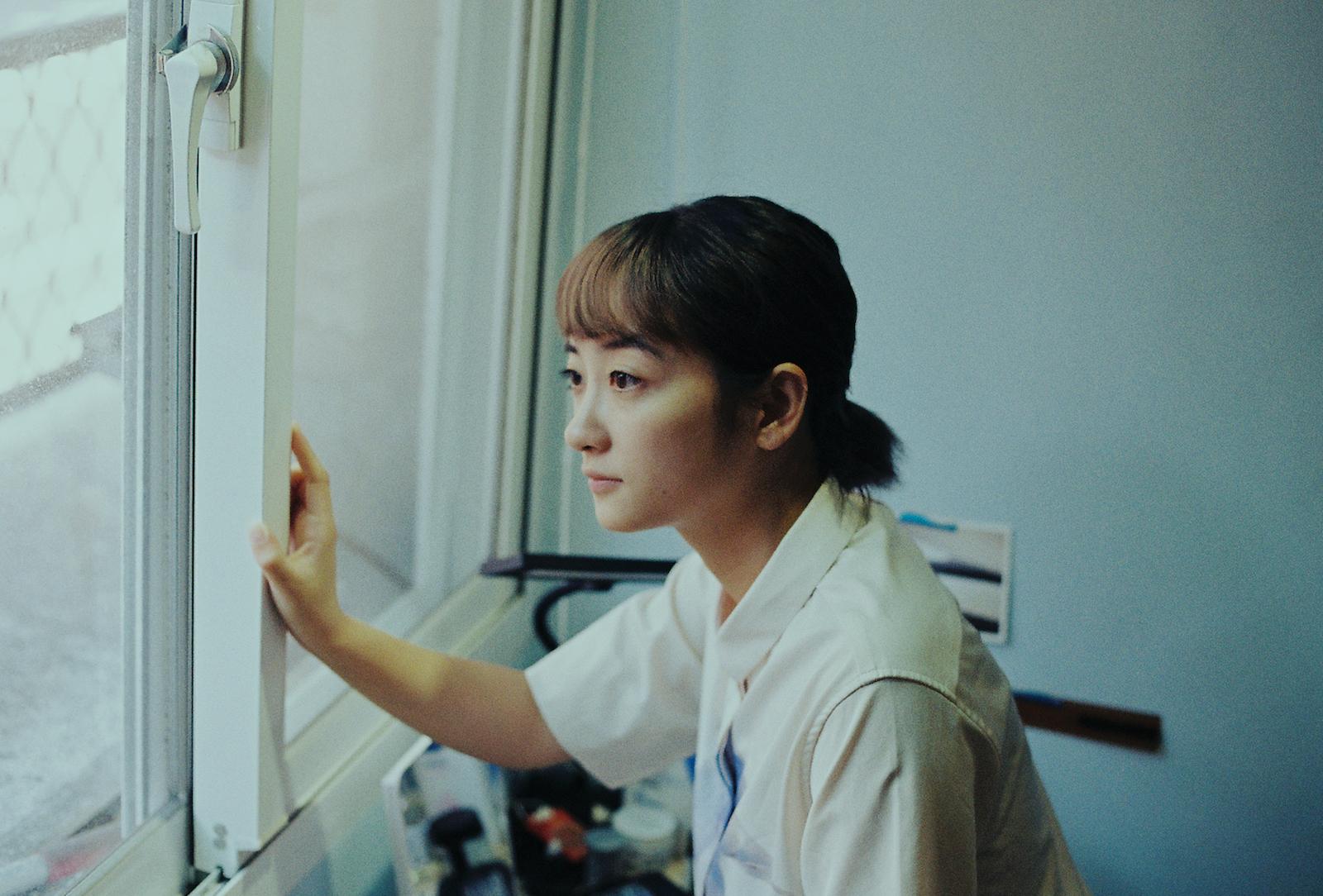 房間 003 Lily Chen:有時房間沒有保護我,但我還是在裡面