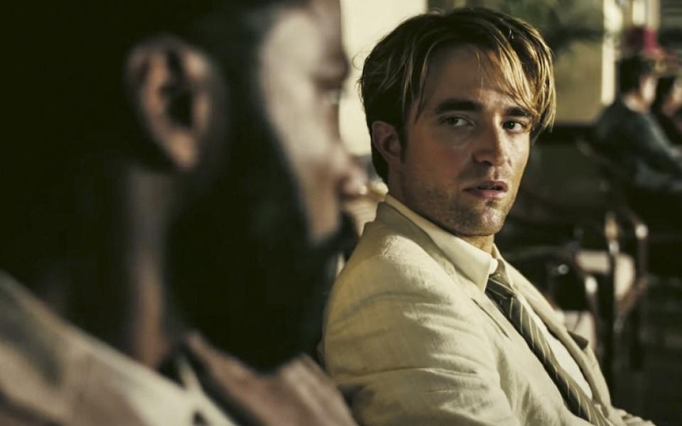 後吸血鬼時期的 Robert Pattinson:《失速夜狂奔》到《天能》,他的偏執與亂髮